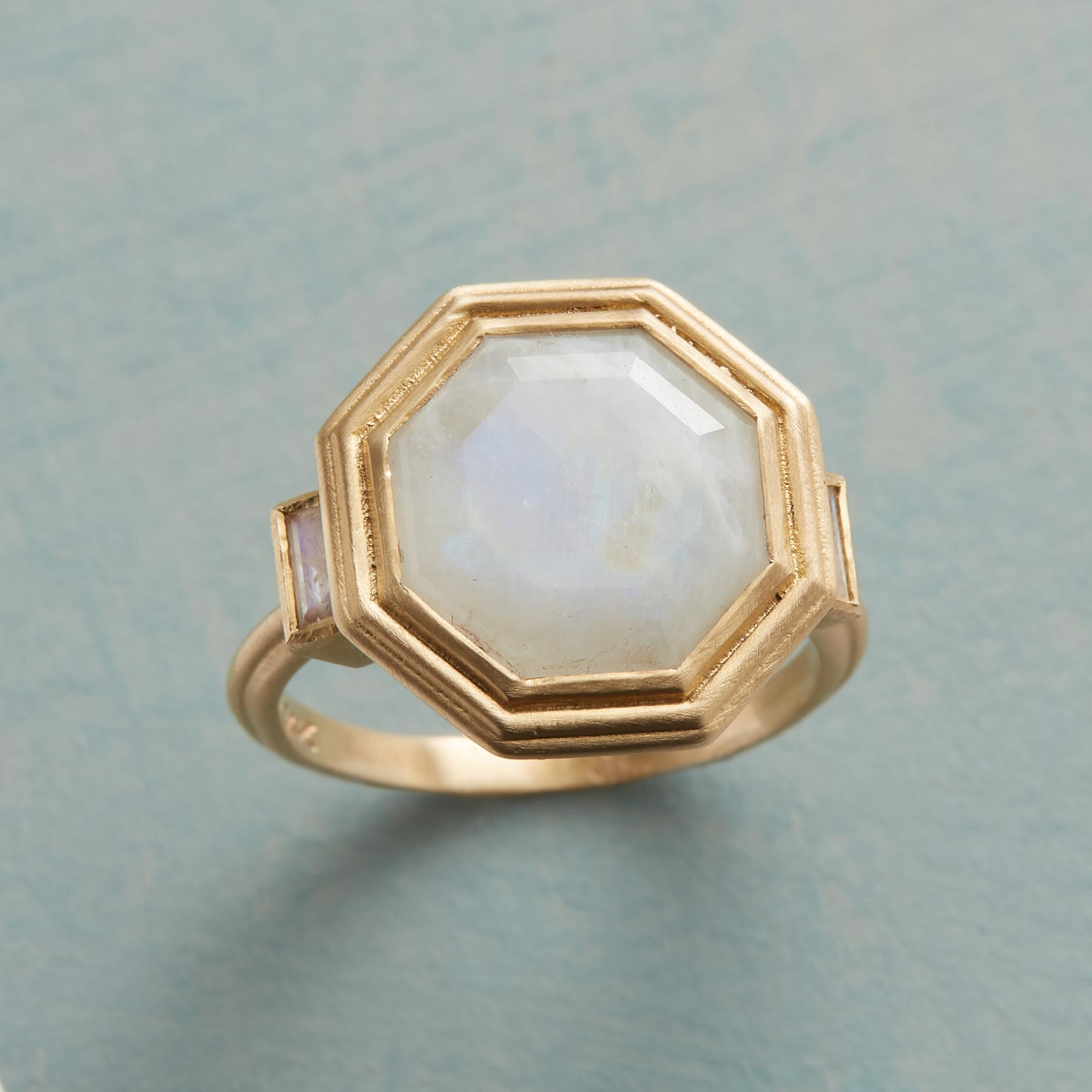 CLAIR DE LUNE RING: View 1