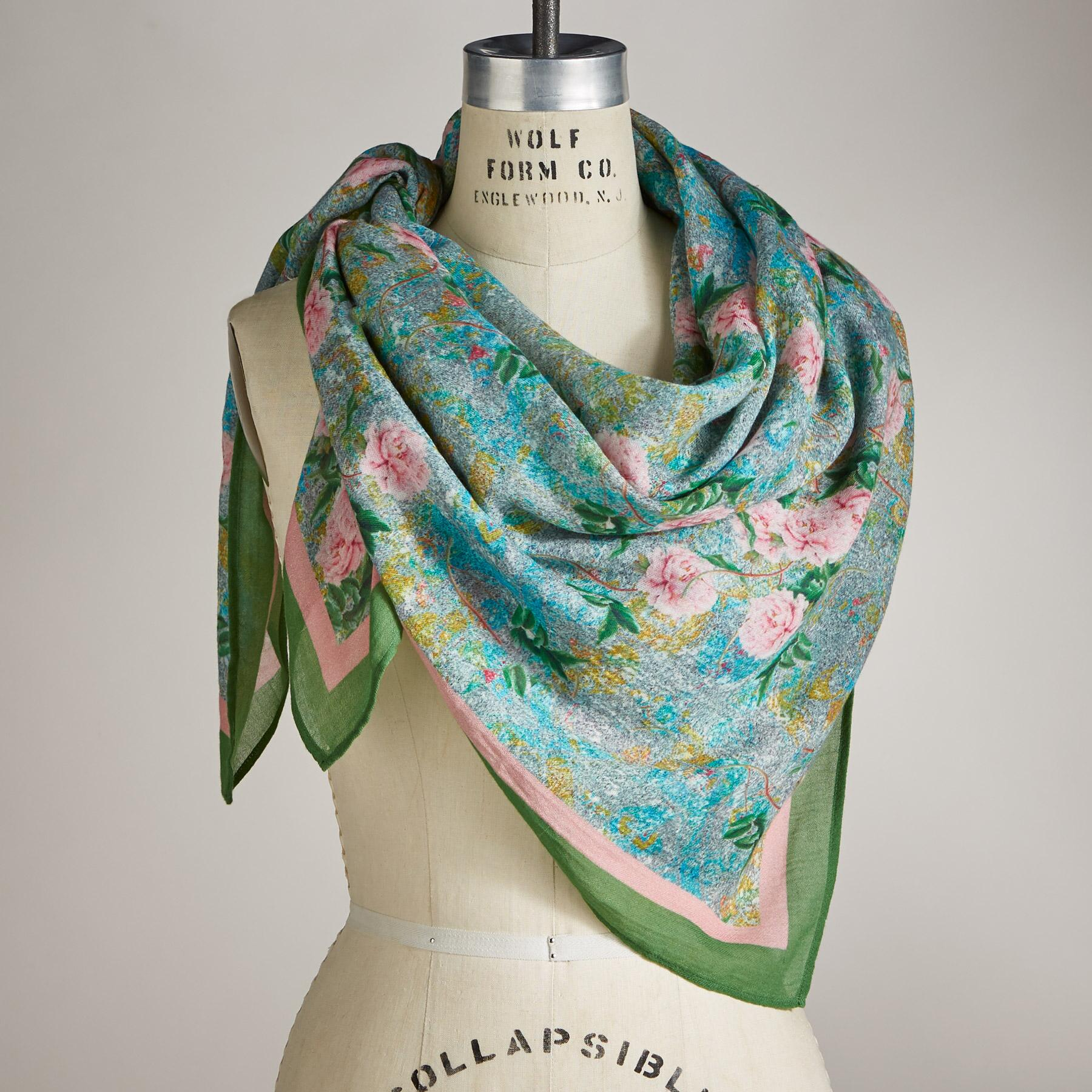 TRAILING ROSES SCARF: View 3