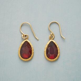 CRIMSON TEARDROP EARRINGS