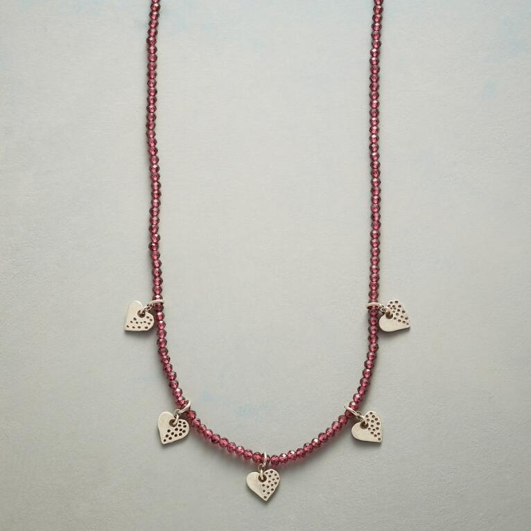 HEARTS AND KISSES NECKLACE
