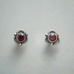 GARNET TREFOIL EARRINGS