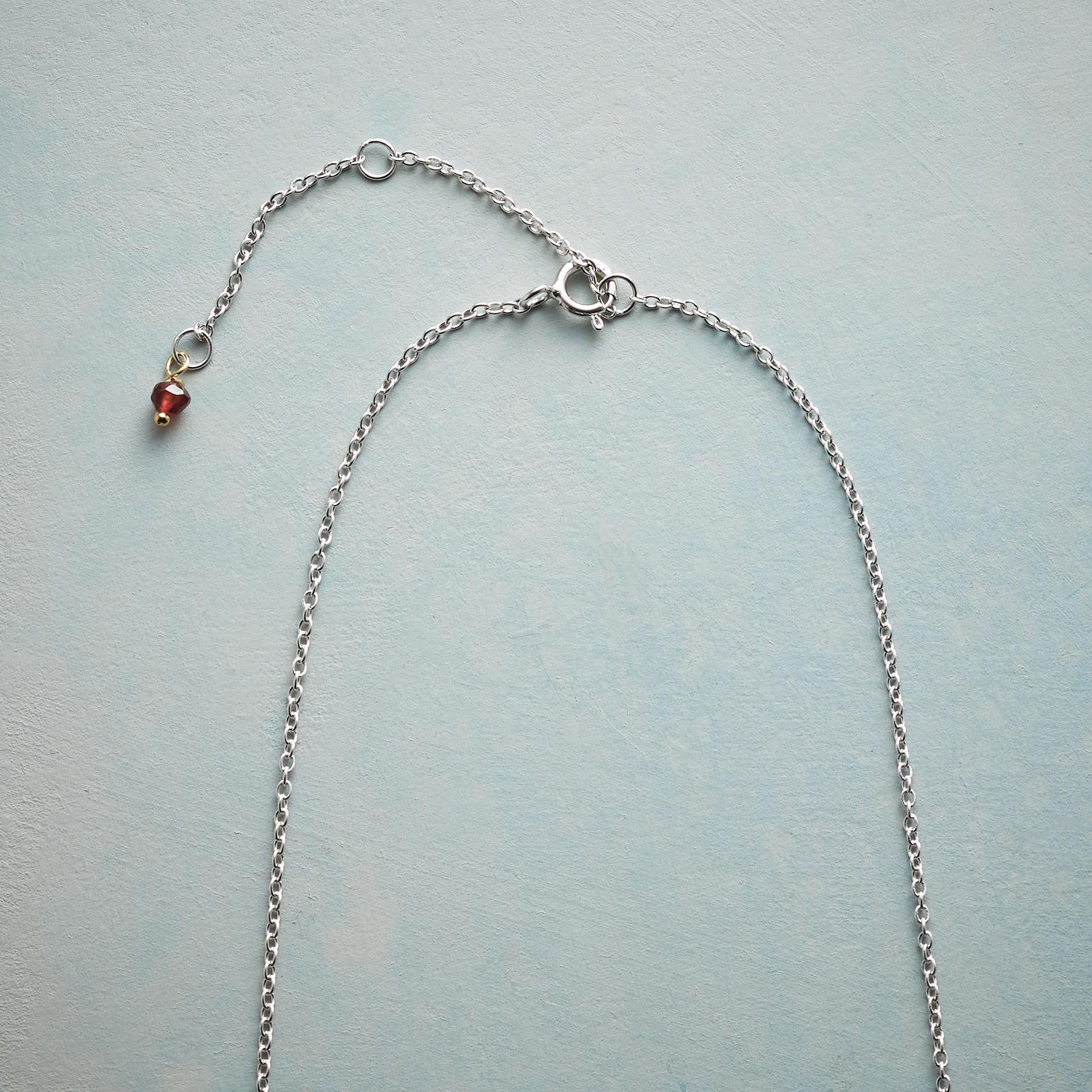 SS LOVE NECKLACE: View 3