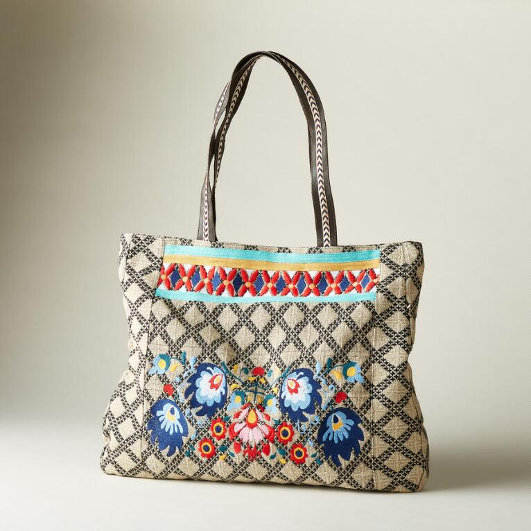 FREE-SPIRITED FLORAL TOTE
