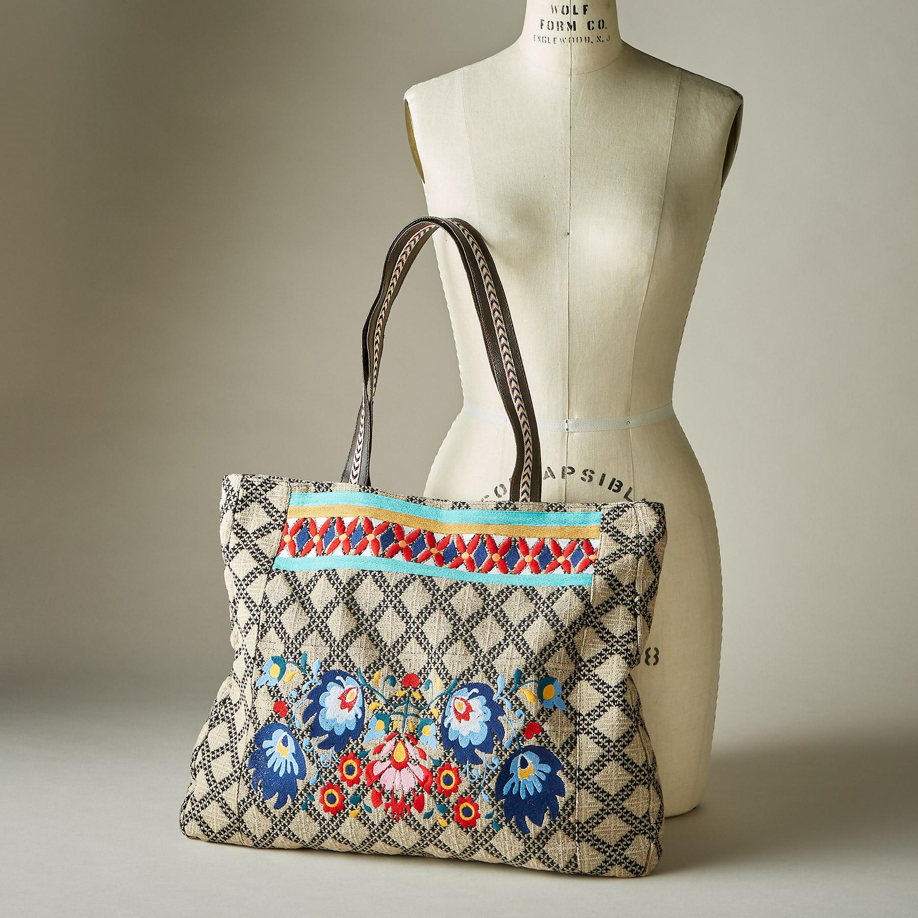FREE-SPIRITED FLORAL TOTE: View 4