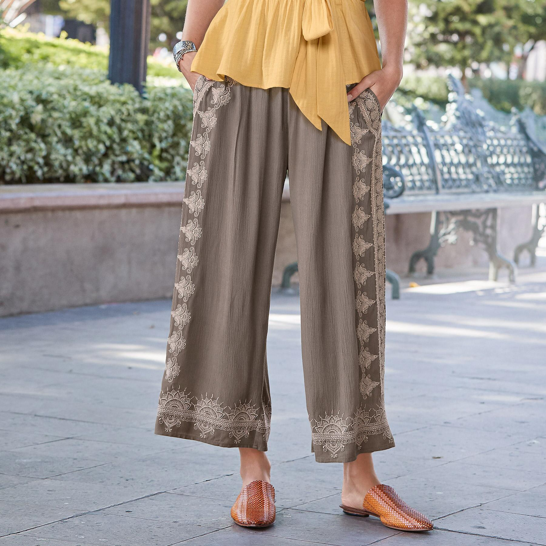 MEDALLION CROPPED PANTS: View 1