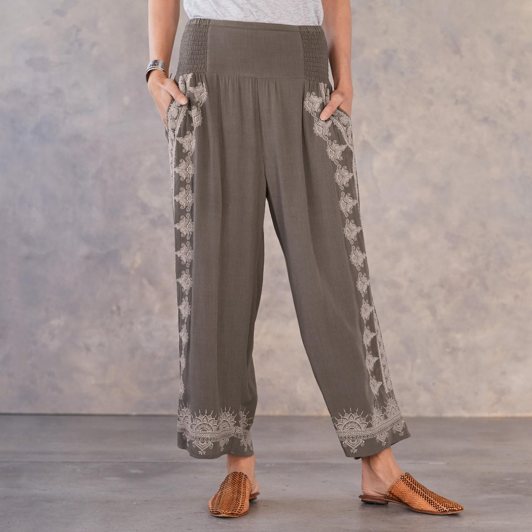 MEDALLION CROPPED PANTS: View 2