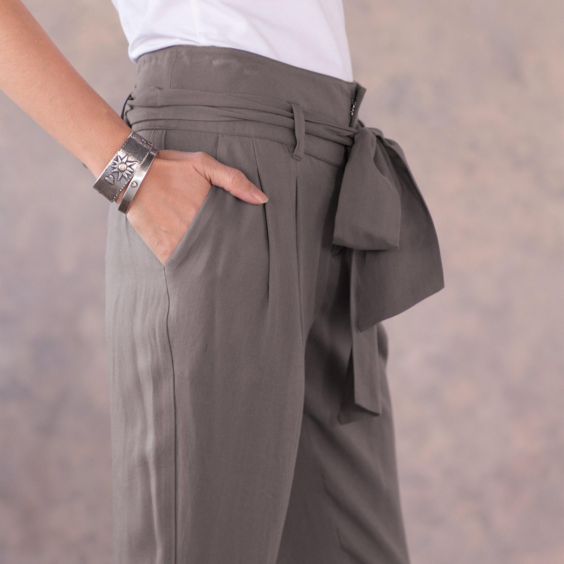 DERIAN PANT: View 5