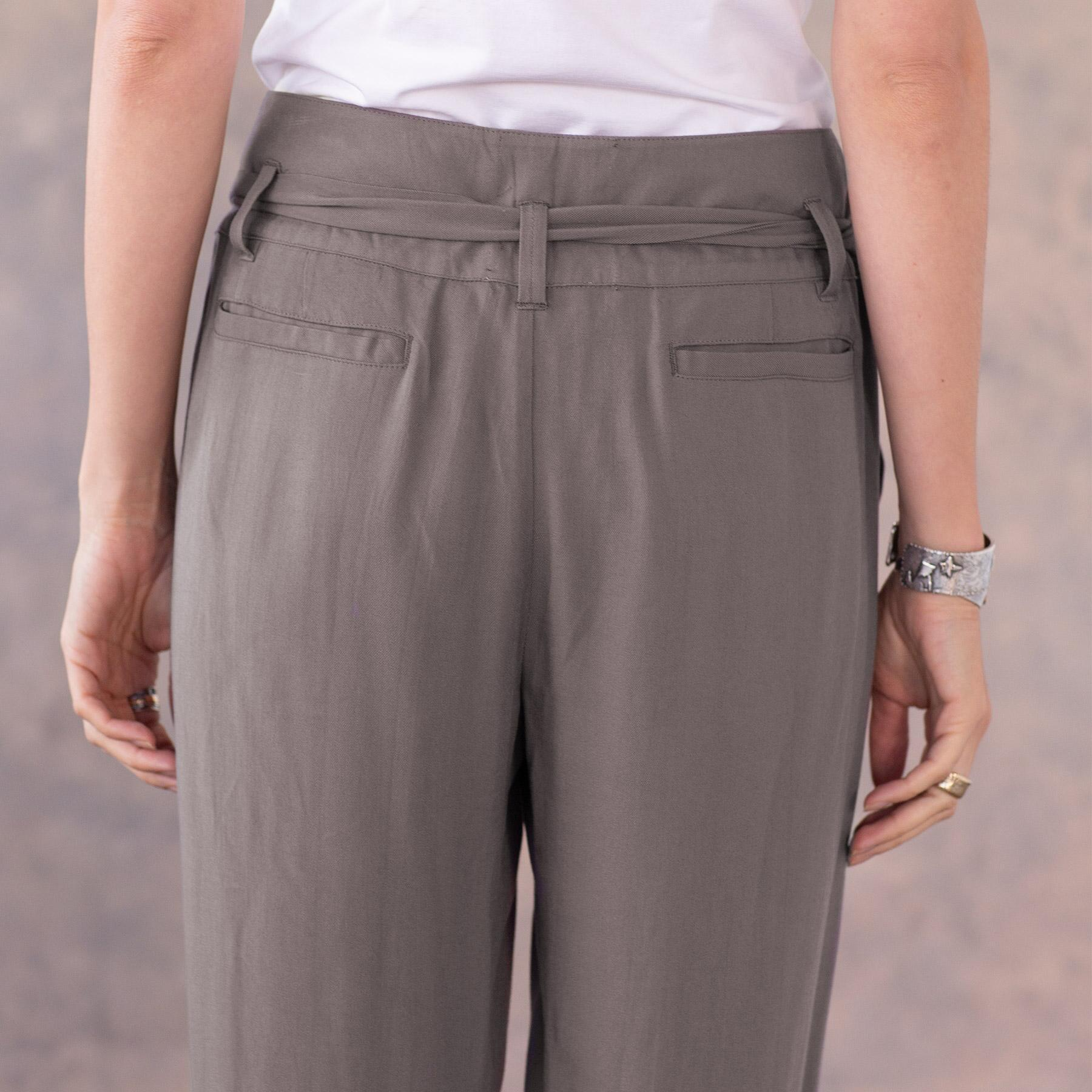 DERIAN PANT: View 6