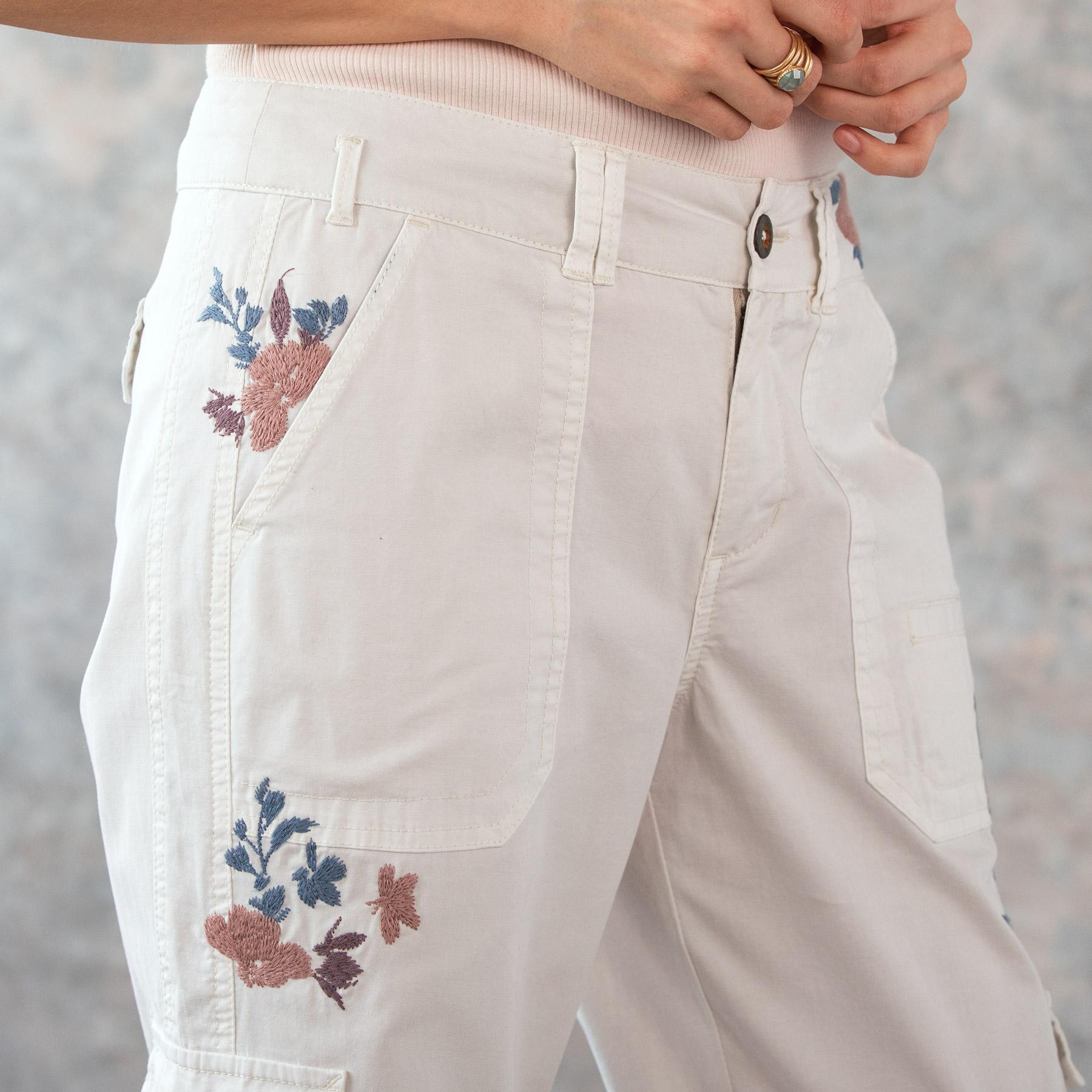 BLOOM EMBROIDERED CARGO PANTS - PETITES: View 4