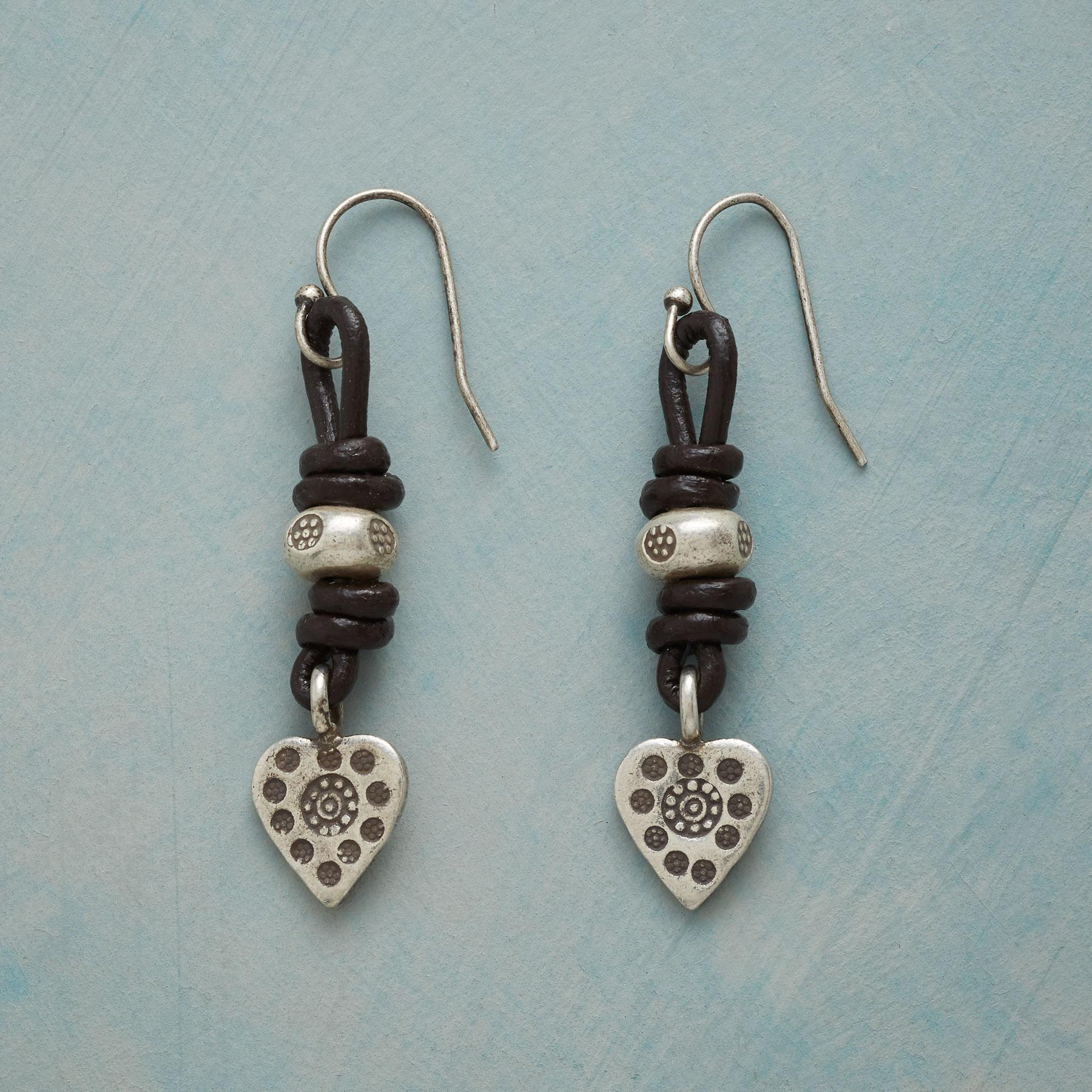 LOVE BOUND EARRINGS: View 1
