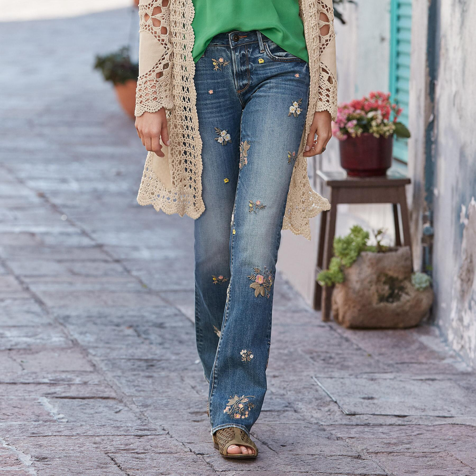 KELLY FLORAL PATCH JEANS: View 1