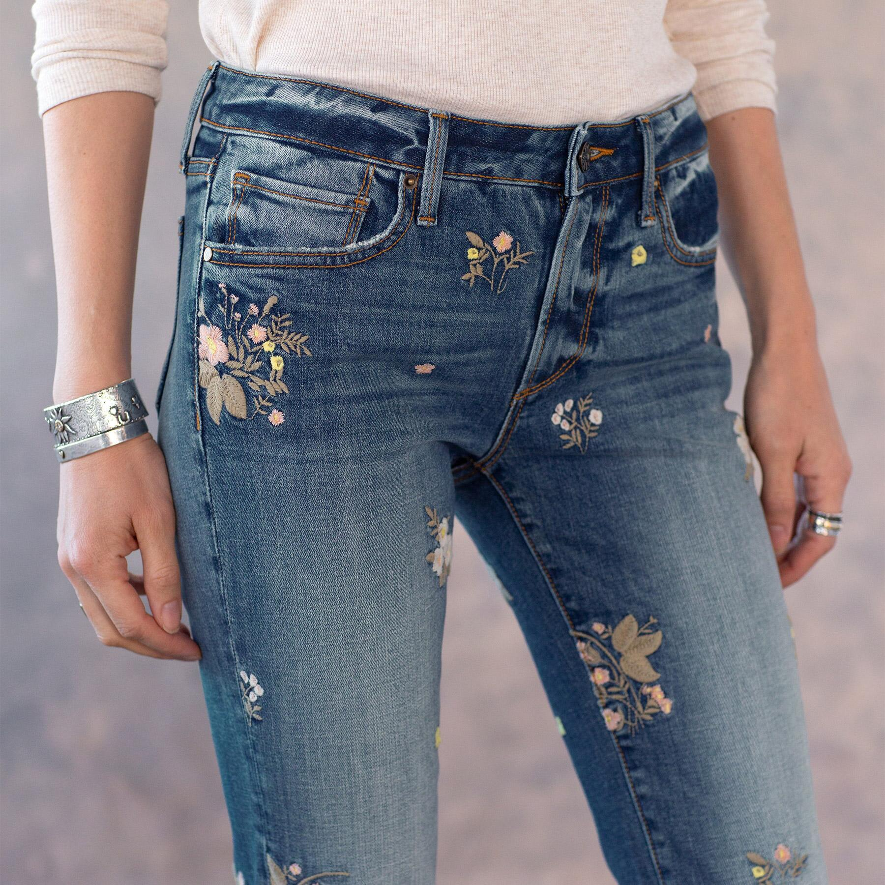 KELLY FLORAL PATCH JEANS: View 4