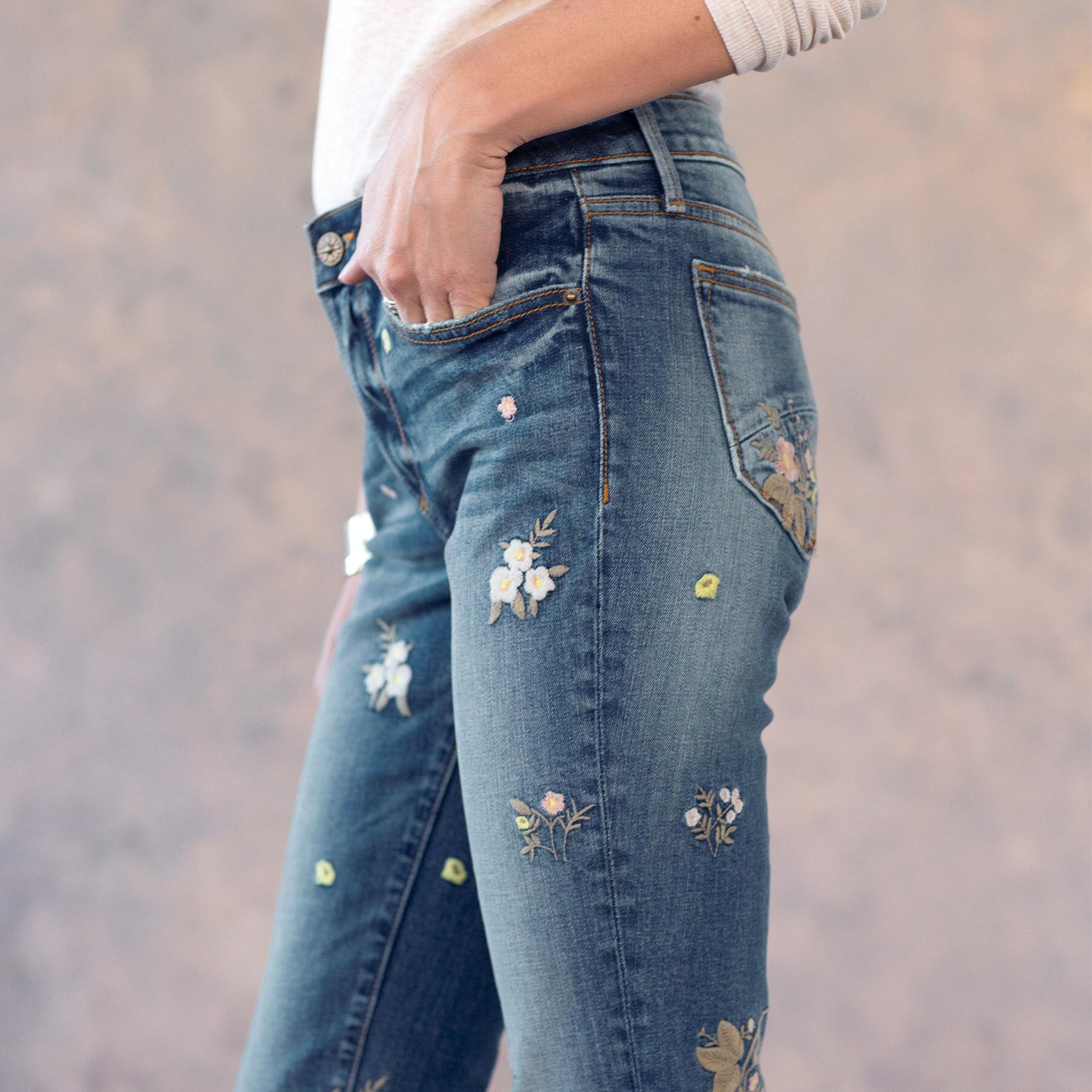 KELLY FLORAL PATCH JEANS: View 5