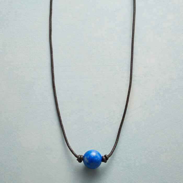 CIRQUE DE BLEU NECKLACE