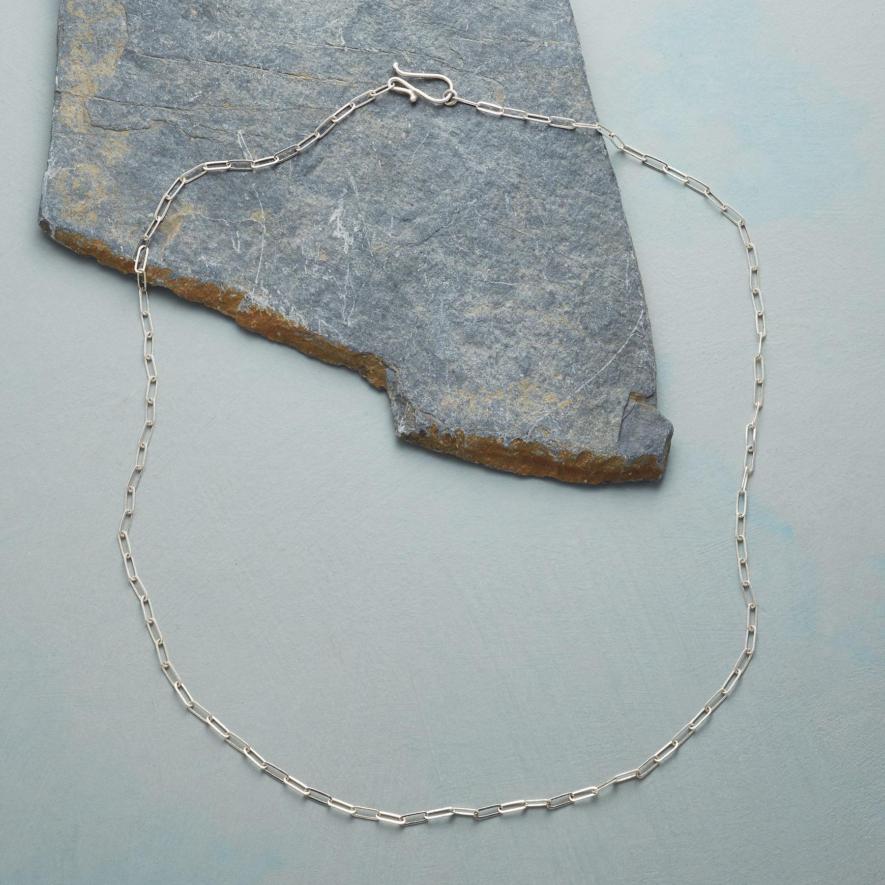 BOX LINK STERLING CHAIN: View 2