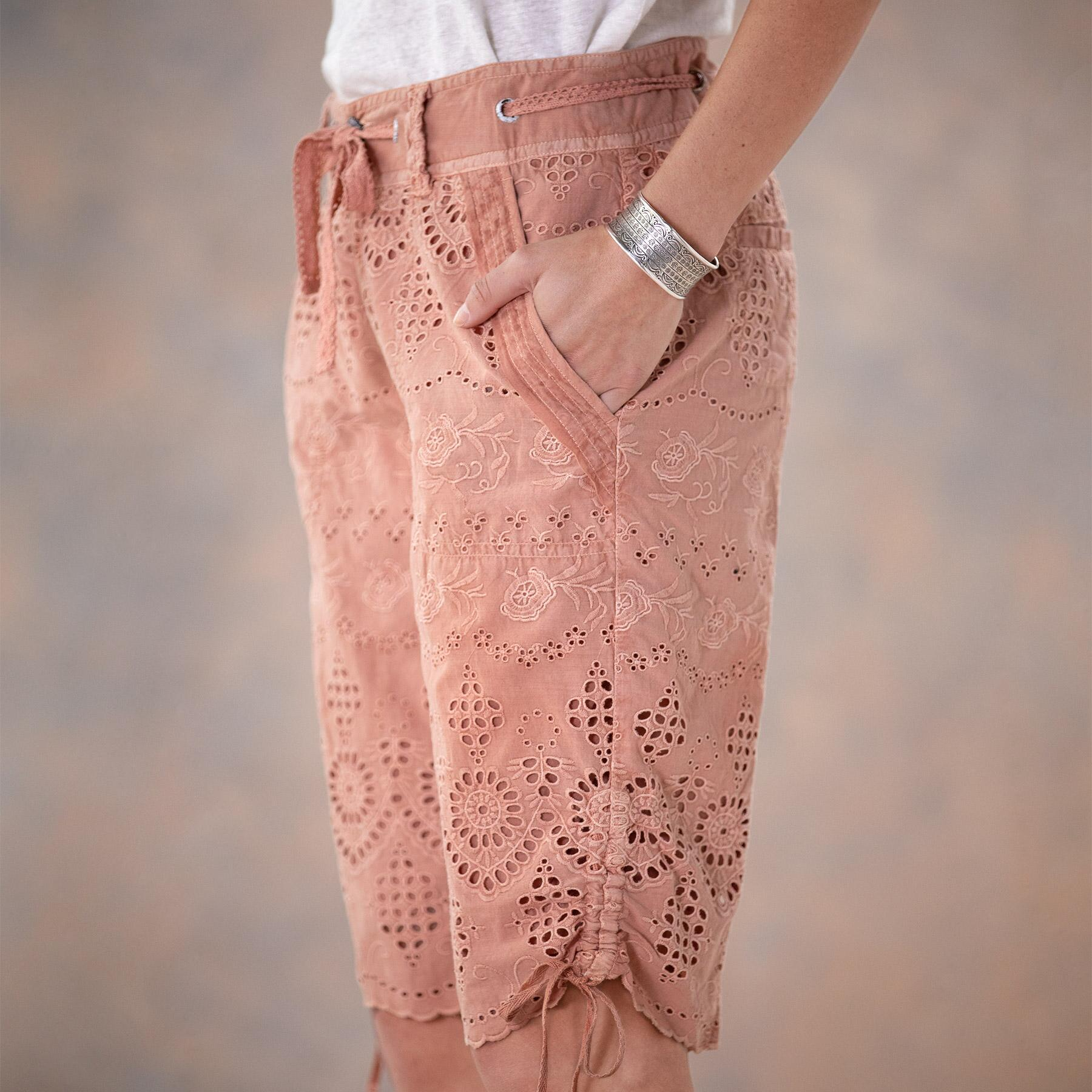 EVERYDAY EYELET SHORTS: View 5