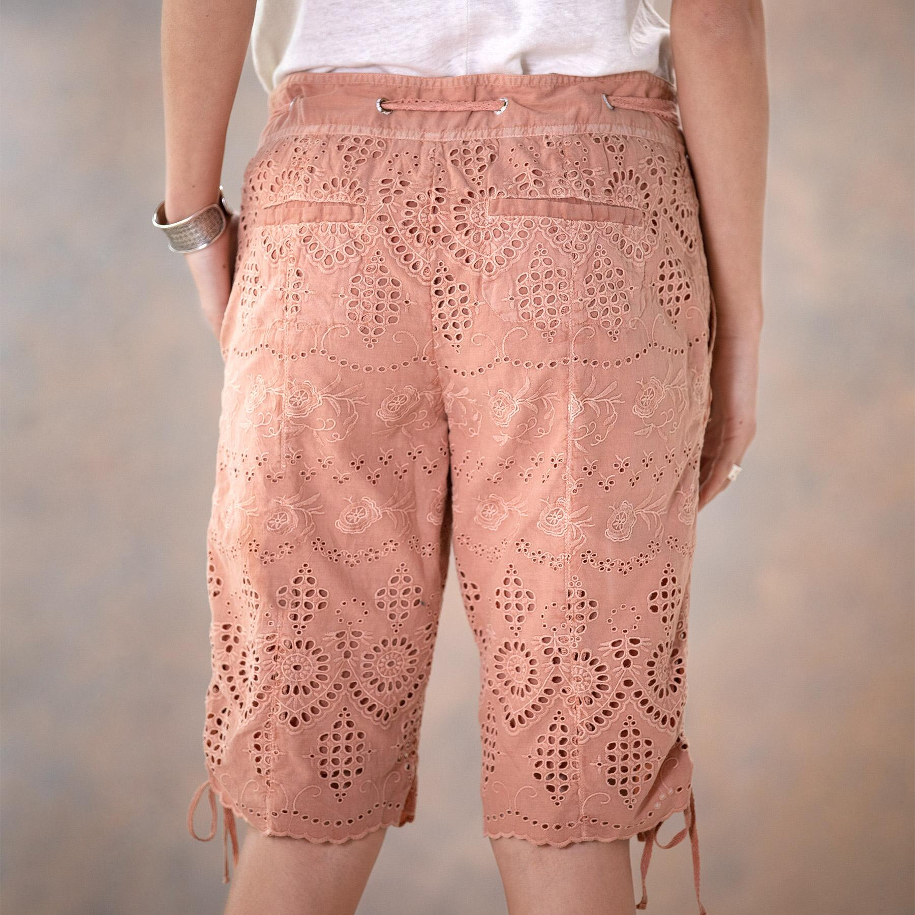 EVERYDAY EYELET SHORTS - PETITES: View 4