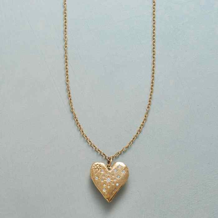 STARLIGHT AND LOVE NECKLACE