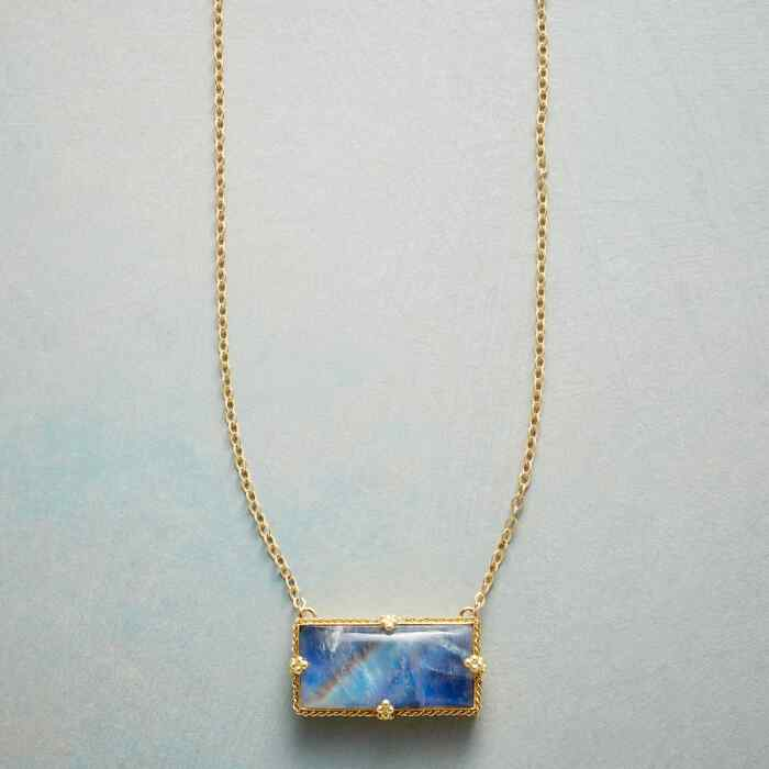 HEAVENLY VIEW NECKLACE