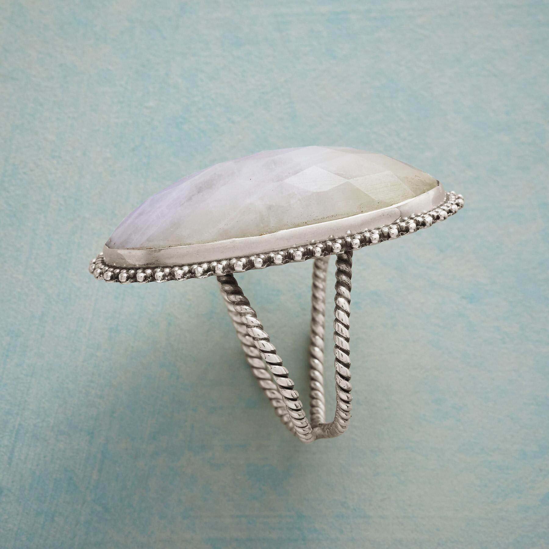 DIVINITY RING: View 2