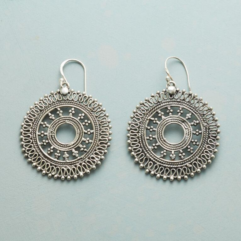 MERRY MANDALA EARRINGS