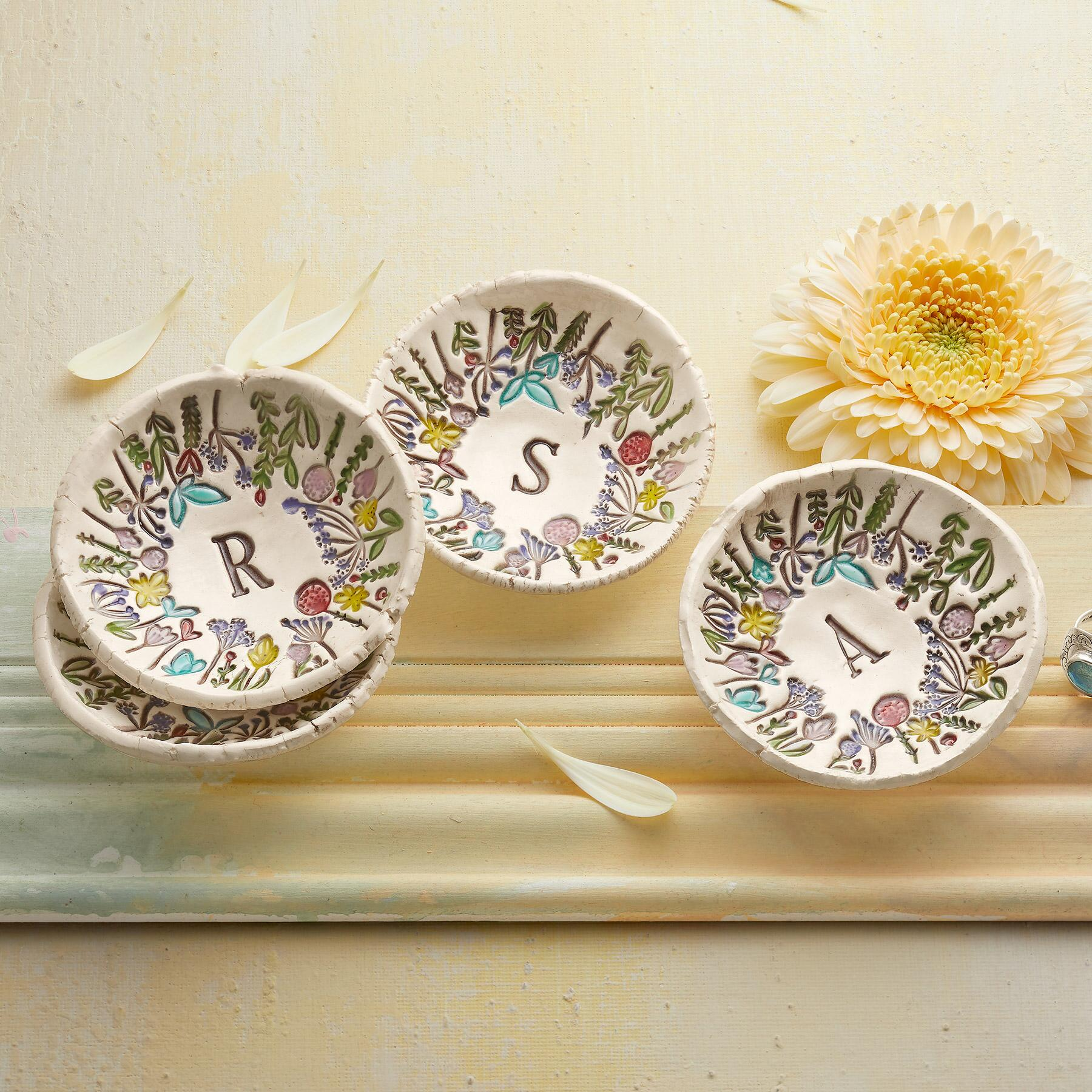 FLORAL INITIAL DISH: View 1