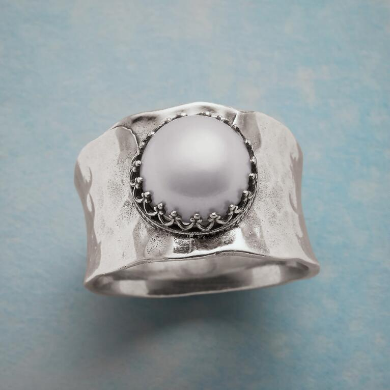 CHARMING CONTRASTS RING