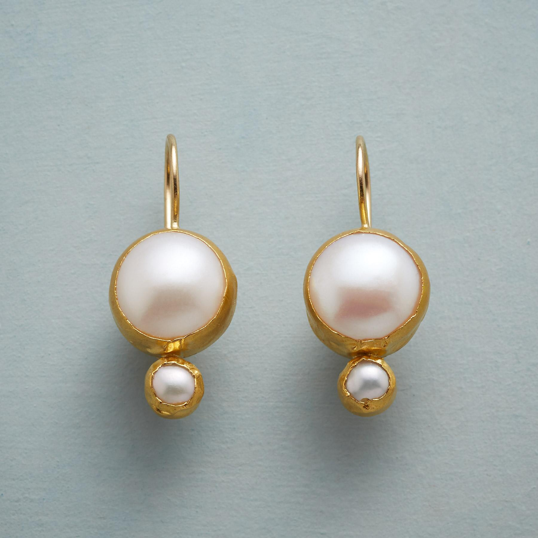 BRIDAL PEARL EARRINGS: View 1