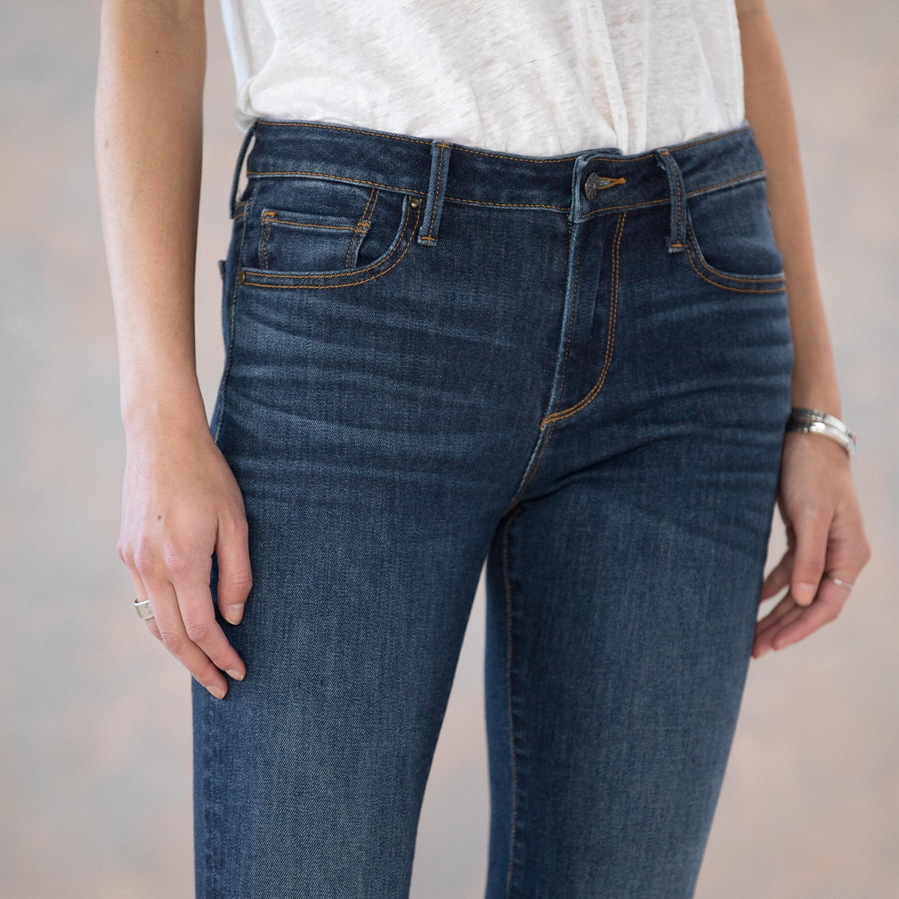 CANDACE BASIC CROP JEANS: View 4