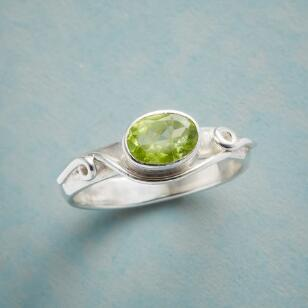 PERIDOT FLOURISH RING