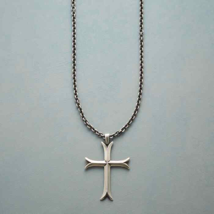 CROSS MOLINE NECKLACE