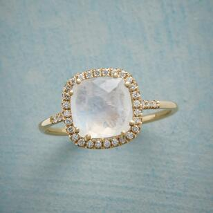SPARKLING MOONSTONE RING