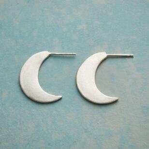 GLOWING CRESCENT MOONS EARRINGS