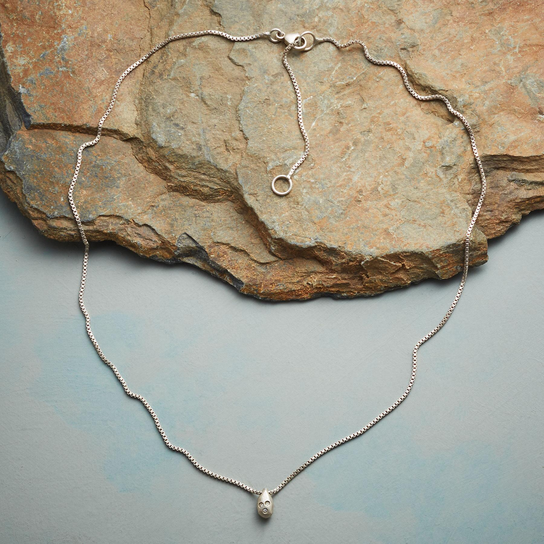 DIAMOND DROPLET NECKLACE: View 2