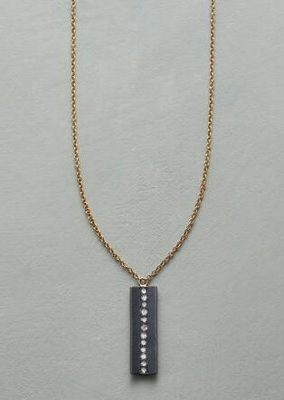 DIAMOND FISSURE NECKLACE