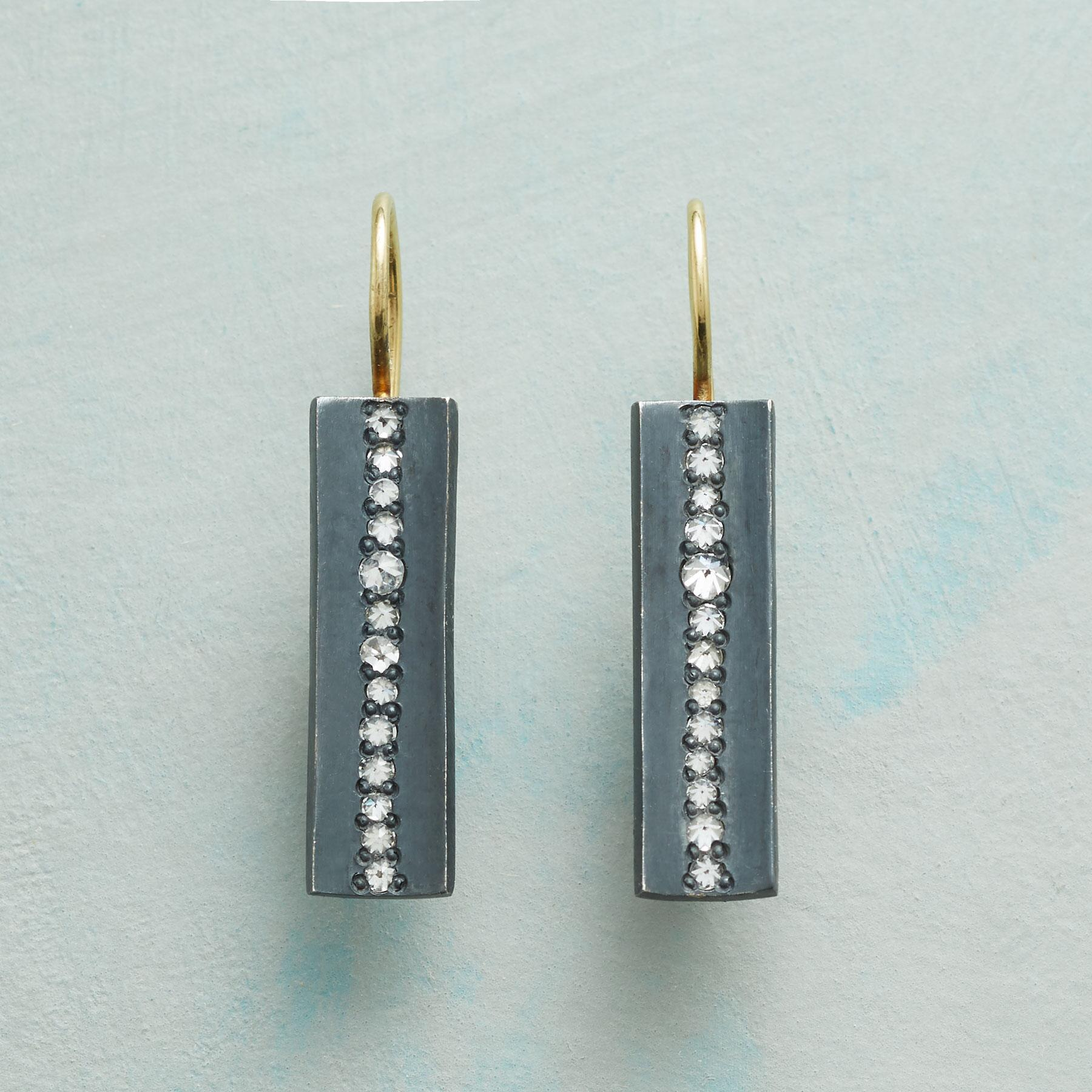 DIAMOND FISSURE EARRINGS: View 1