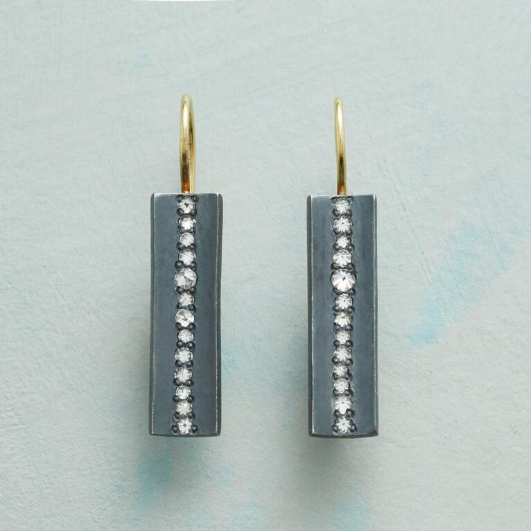DIAMOND FISSURE EARRINGS
