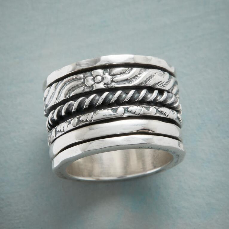 FOUR PATHS SPINNER RING