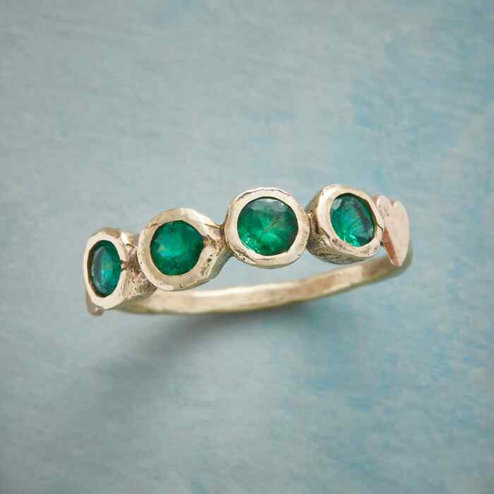 LUCKY EMERALD RING