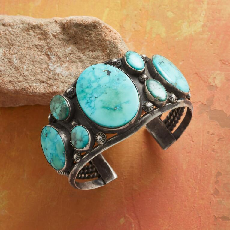 1950S CASTLE DOME TURQUOISE CUFF
