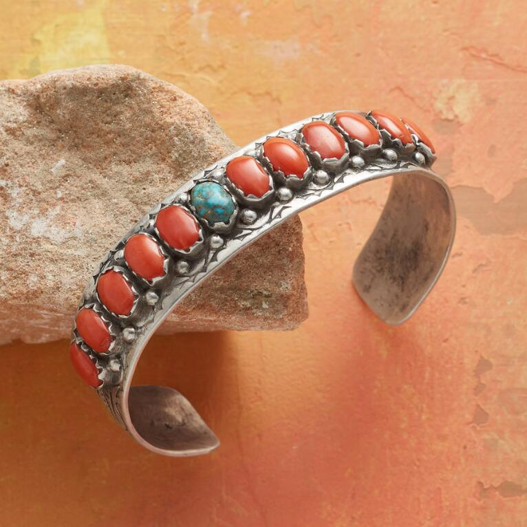 1960S CORAL & TURQUOISE CUFF