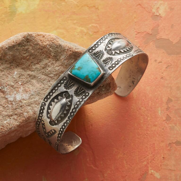 1950S TURQUOISE & STAMPED STERLING CUFF