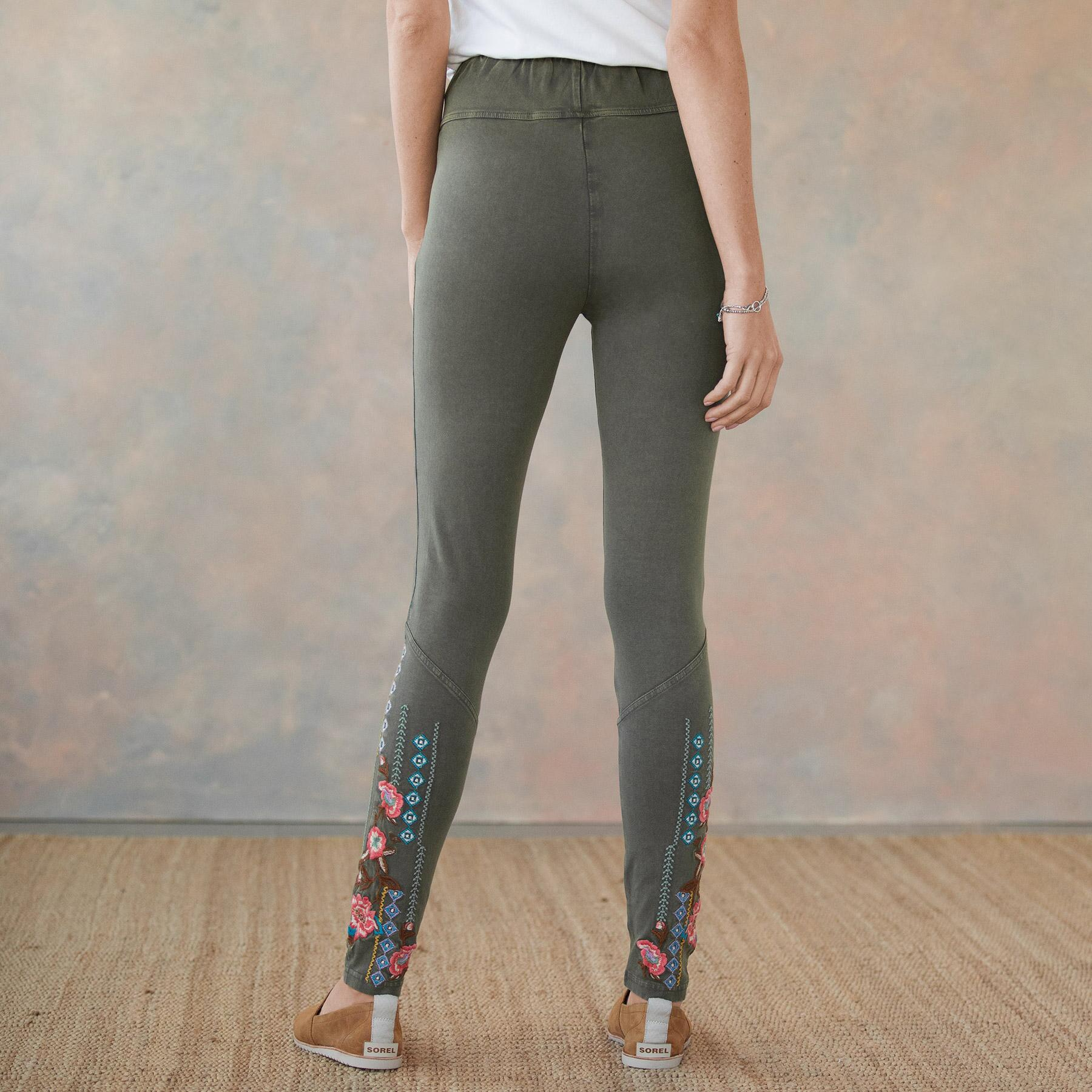 ARTIST LEGGING: View 3