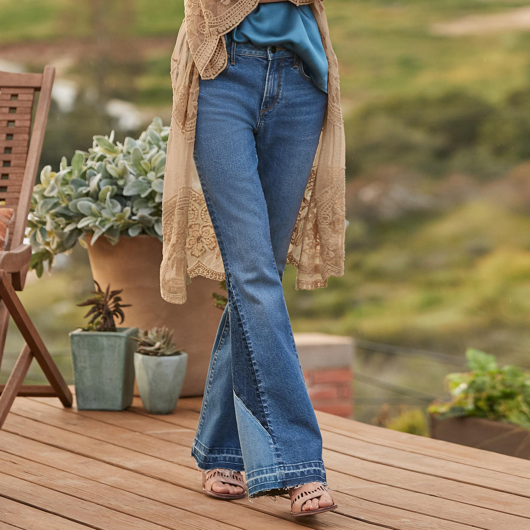CLEO BESTIES FLARE JEANS: View 1