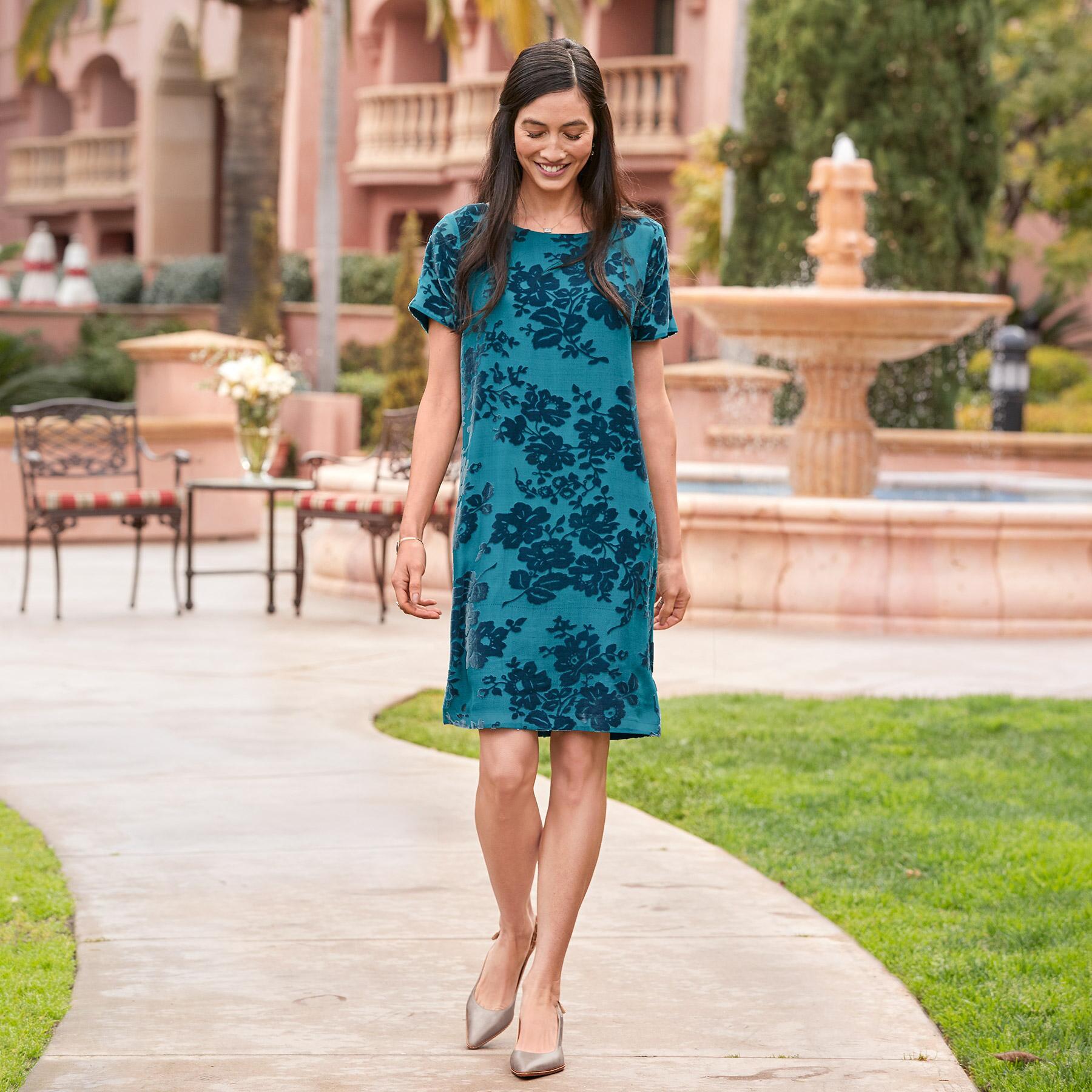 ELLA DRESS PETITE: View 1