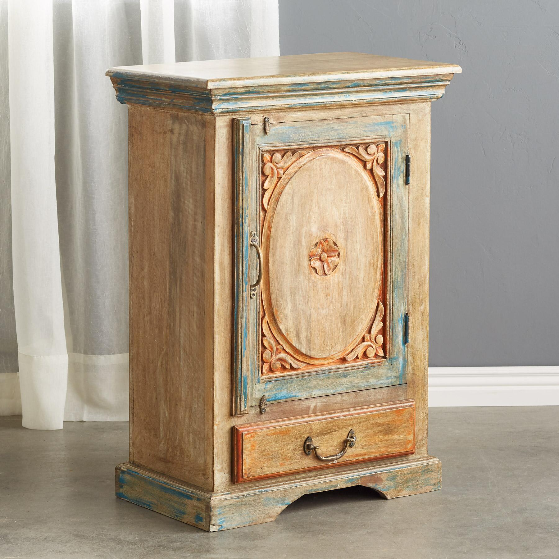 SALERNO CABINET: View 2