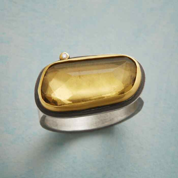 SPARKLE AND GLOW RING