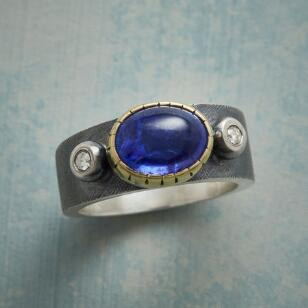 TWINKLING TANZANITE RING