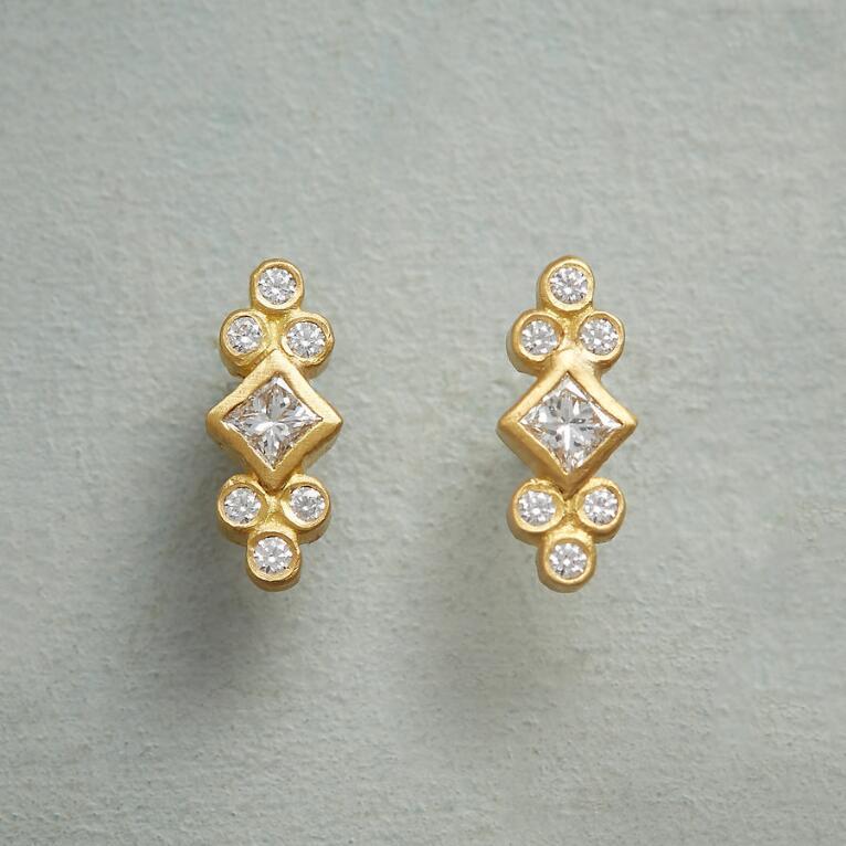 ROYAL DIAMOND EARRINGS