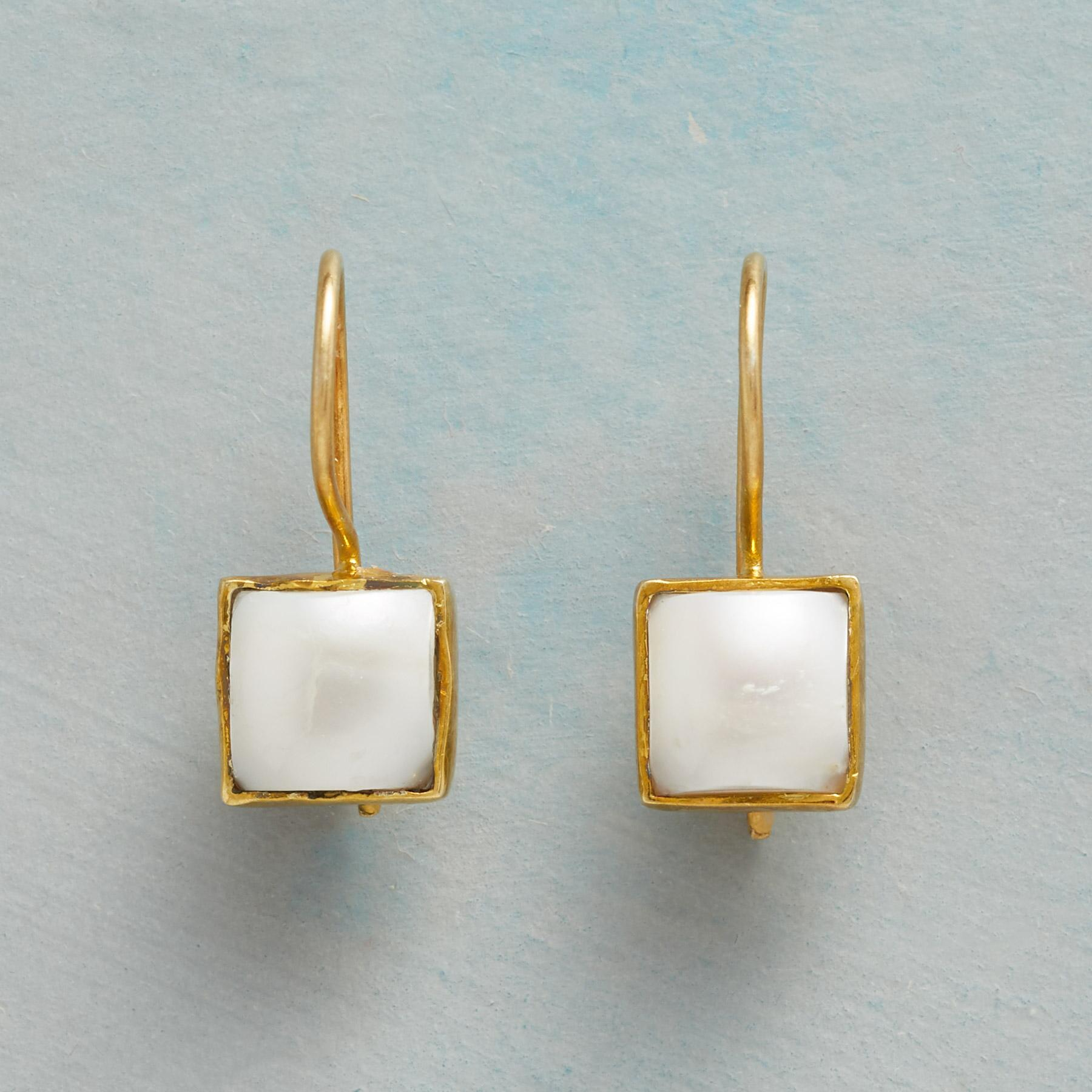 PEARL SQUARED EARRINGS: View 1